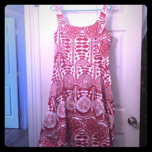 Eye catching red and white print dress